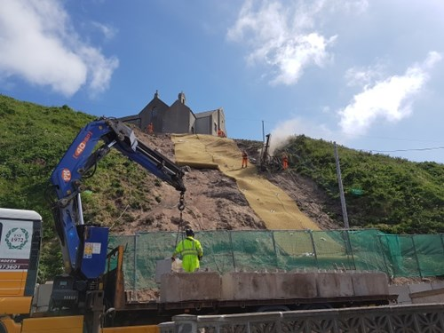 Installation of mesh on the slope in Gardenstown